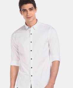 FLYING MACHINE Men White Concealed Button-Down Collar Solid Casual Shirt